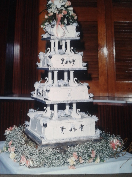 traditional fruit wedding cake icing wedding cake gallery cakes 21137